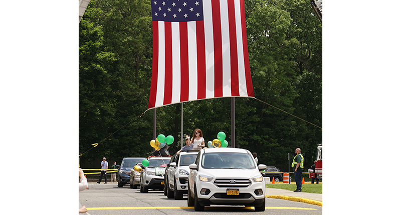 A Parade of Pride as Ward Melville Celebrates Seniors